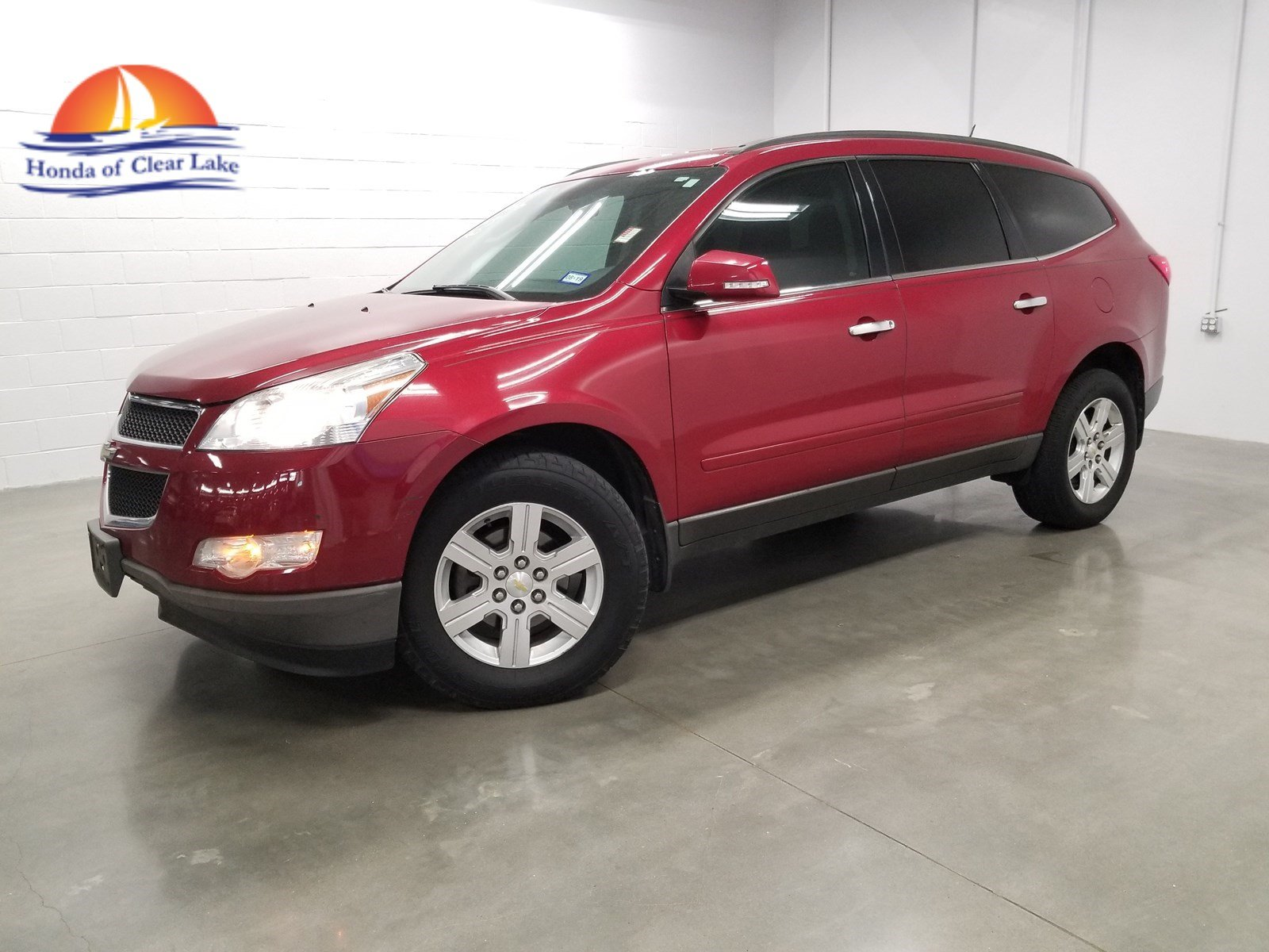 Pre-Owned 2012 Chevrolet Traverse LT with 1LT