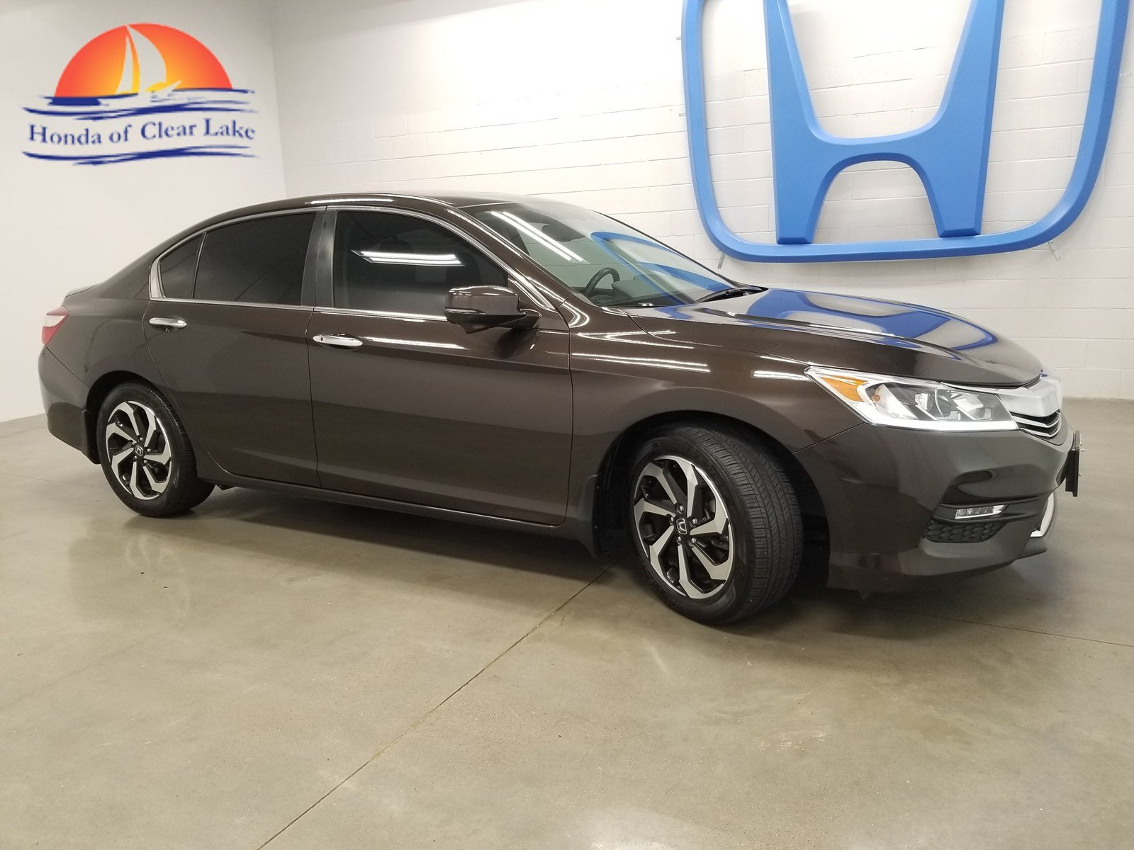 Pre Owned 2016 Honda Accord Sedan Exl