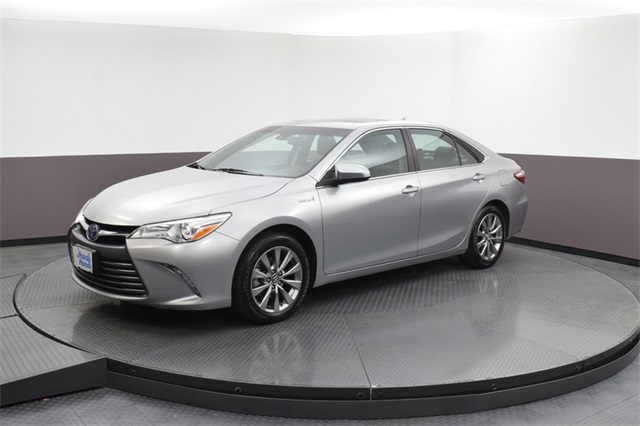 Pre Owned 2016 Toyota Camry Hybrid Xle